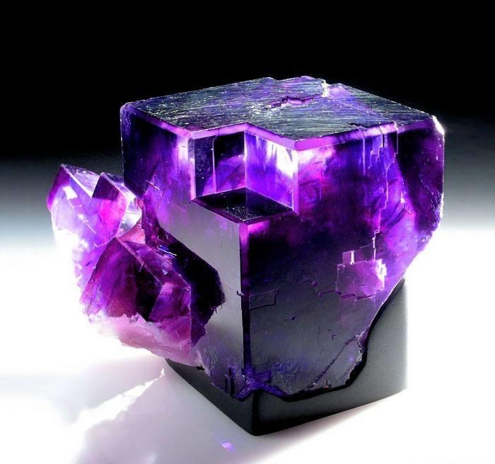 KQ Minerals / Cowboy Crystals